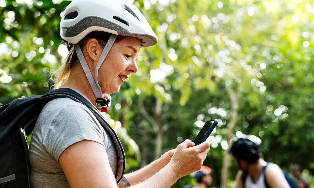 woman-checking-the-gps-map